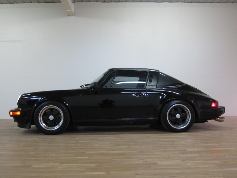 convertible week 1982 porsche 911 sc targa german cars. Black Bedroom Furniture Sets. Home Design Ideas