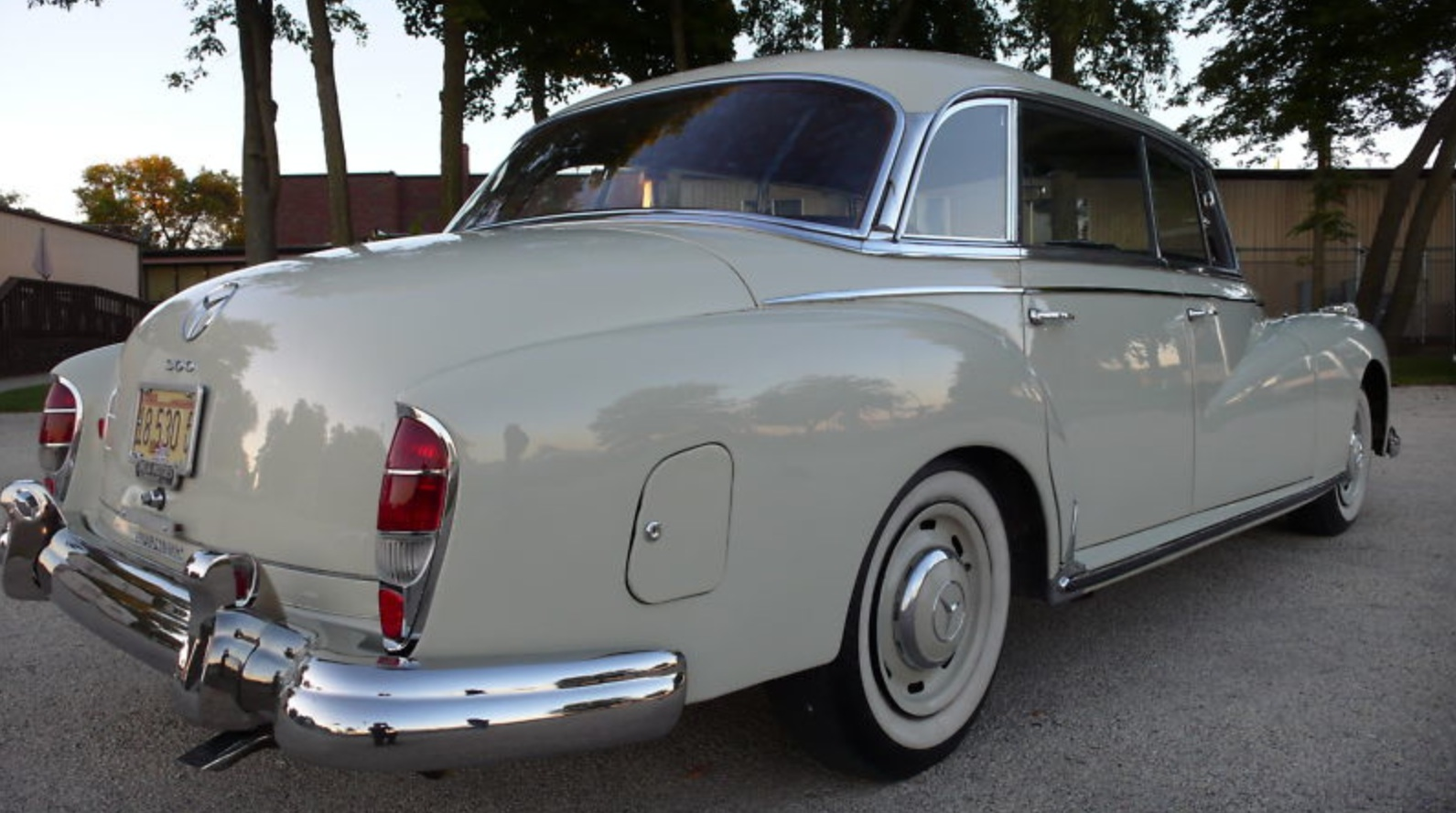 CLICK FOR DETAILS: 1960 Mercedes-Benz 300d on eBay