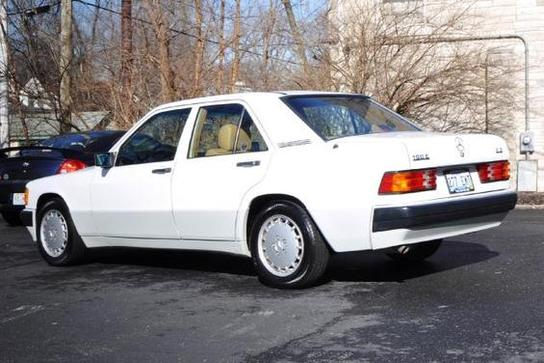 200c26d009 Economy With A Touch Of Class  The Four Cylinder 190E – German Cars ...