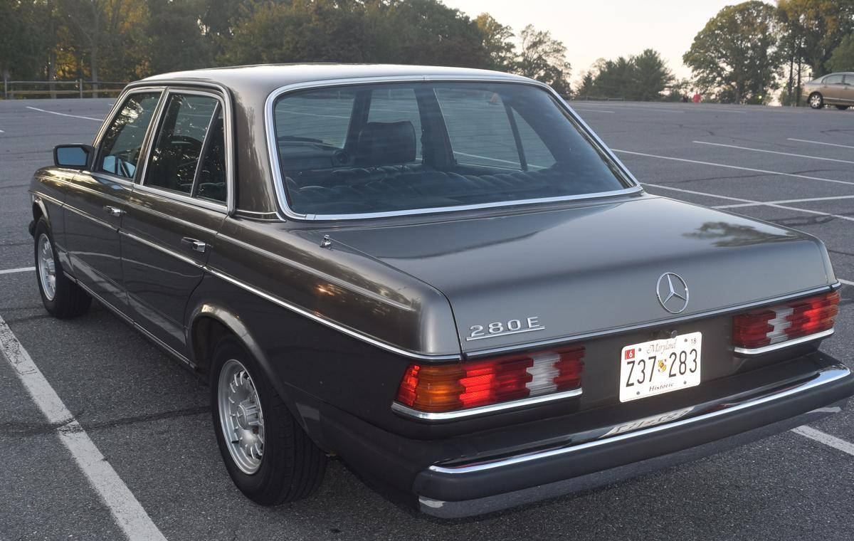 Feature Listing: 1981 Mercedes-Benz 280E