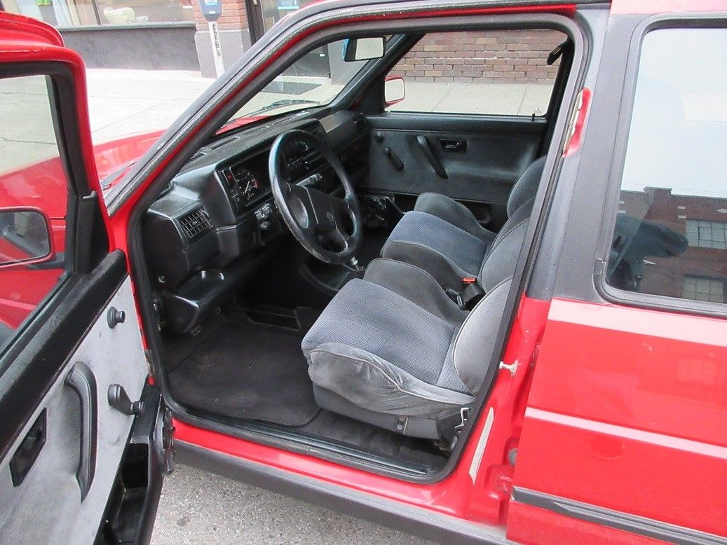 Up for consideration is a gorgeous 1990 Volkswagen Jetta Gli 16v. Tornado  Red with Grey Recaro interior. Rare all black oem headliner and pillar  covers.